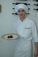 Antonio Roberto Camargo Saraiva - Experience Assistant Chef