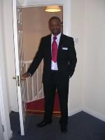 Waheed Aina - Experience Customers Service Staff